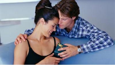 Выбираем духи в подарок для женщины